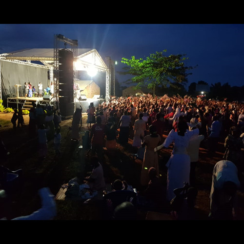 "Miracle crusade in Kaliro district Uganda with pastor James,by T.I Audio Dual 15"" line array system"